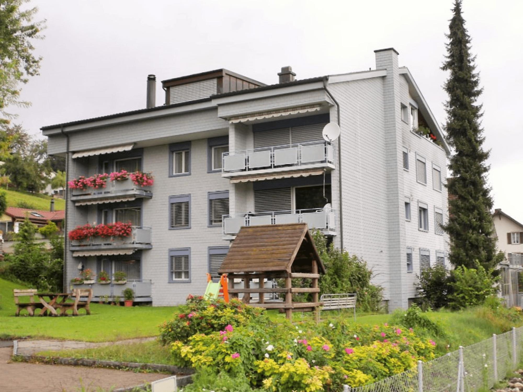 Mehrfamilienhaus in Reitnau