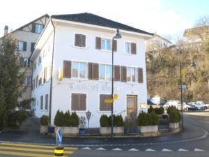 Wohn- und Geschäftshaus in Buckten